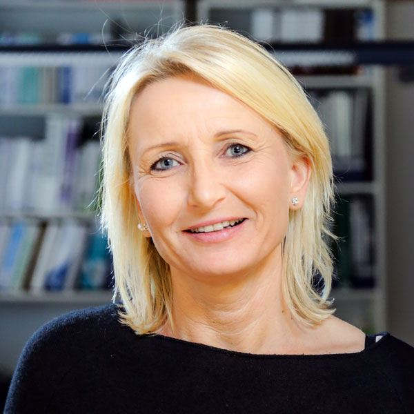 Alexandra Baier